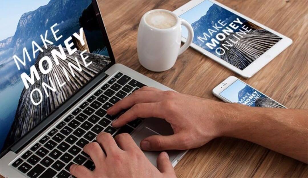 Kiếm tiền online là việc bạn tiền từ các công việc trên Internet thông qua việc sử dụng điện thoại, máy tính hay các thiết bị có kết nối mạng.